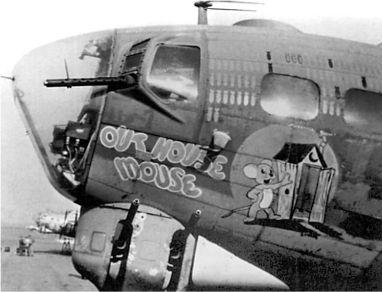 B-17 Outhouse mouse (S/N 42-31636) был одним из первых летающих крепостей атакован Me 163s лейтенанта Рилла.