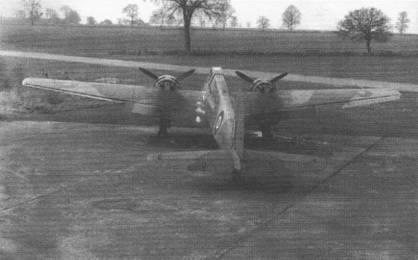 В начале 1943 г. британские войска захватили в Тунисе Хеншель Hs-129B-2 W.Nr. 0297. Самолет перекрасили в камуфляж ВВС Великобритании и нанесли соответствующие опознавательные знаки и регистрационный код «NF756». Летные испытания самолета проводились в Коллиуистоне.