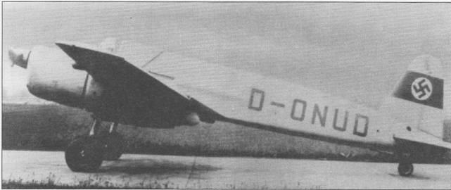 Наиболее вероятным победителем конкурса на Schlachtflugzeug (самолет-штурмовик) изначально считался самолет Хеншель Hs-129. Машина разрабатывалась как специализированный самолет непосредственной авиационной поддержки наземных войск. Первый прототип Hs-129V-J (D-ONUD, W.Nr. 1293001) впервые поднялся в воздух 26 мая 1939 г. с аэродрома Берлин-Шёнефельд. Самолет целиком окрашен в светло-серый цвет (RLM63, FS36373). Первый прототип позже передали в испытательный центр (E-Stelle) в Рехлине для проведения войсковых испытаний.