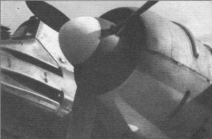Ha Hs-129B-2 была изменена конструкция воздухозаборников системы охлаждения двигателей и смонтированных в них фильтров механических частиц. Двигатели самолетов модификации В-2 также получили новые, более короткие, выхлопные патрубки, снижавшие вероятность перегрева мотора. В нижней части мотогондолы была установлена броня толщиной 5 м. Все же эти усовершенствования не позволили решить проблему низкой надежности двигателей Гном-Рон 14М, эти моторы оставались «узким местом» самолета на протяжении всей его карьеры.