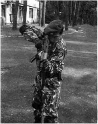 """Фото 315. Стрельба из автомата по скатам со """"сваливанием"""" оружия"""