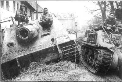 380-мм самоходный миномет «Штурмтигр», захваченный англо-американскими войсками на Западном фронте. Машина принадлежит 1002-й роте (батарее) самоходных минометов. Февраль 1945 года.
