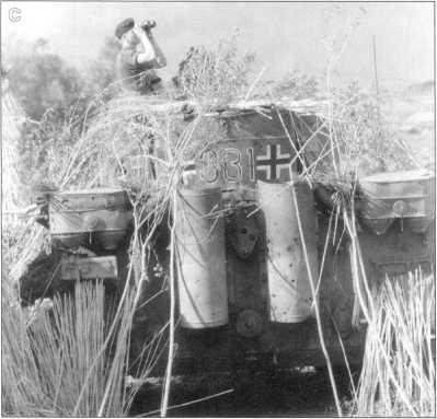 A-С. Pz.Kpfw.VI(H) 503-го батальона во время боев на Курской Дуге. Июль-август 1943 года.