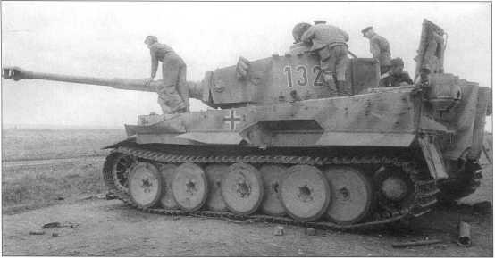 Pz.Kpfw.VI(H) с номером «132» 503-го батальона. Курская Дуга, июль 1943 года.