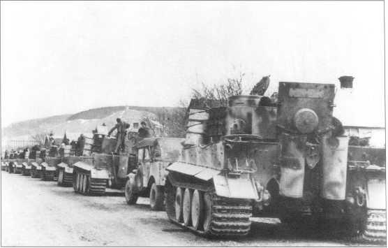 Танки «Тигр I» 506-го батальона выдвигаются на фронт. Ноябрь 1943 года.