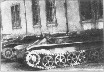 Танкетка В-IV 3-й роты 508-го батальона тяжелых танков. Рим, февраль 1944 года.