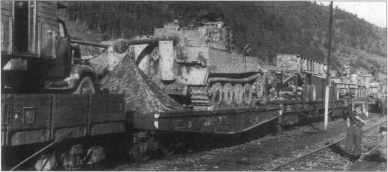 «Тигры» из состава дивизии «Великая Германия». Советско-германский фронт, весна 1943 года в районе Кировограда.