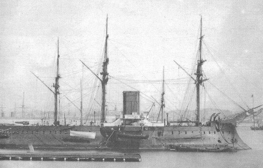 """Броненосец """"Редутабль"""" в 1878 (вверху) и в 18/9 гг."""