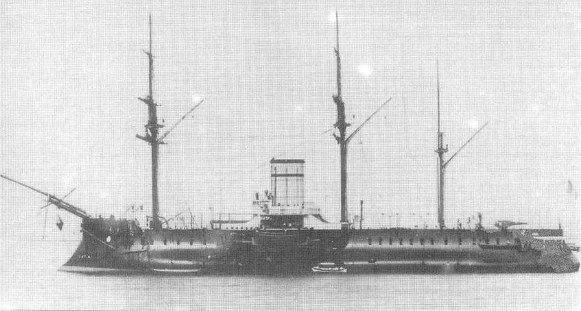 """Слева и вверху: """"Редутабль"""" в 1880-1883 гг."""