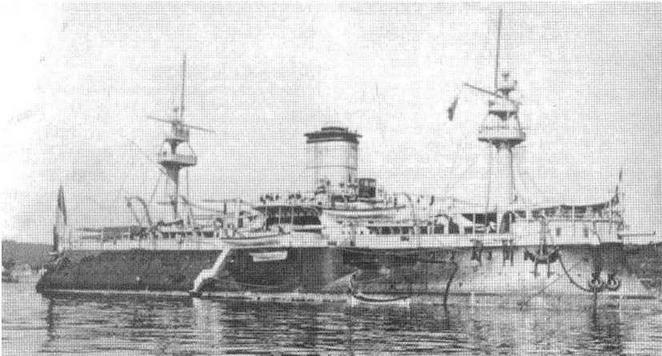 """Броненосец """"Редутабль"""" на рейде портов Вильфранш в 1891 г. и Бреста в 1895-1896 гг."""