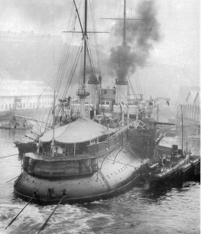 """""""Девастасьон"""" во время швартовых испытаний. 1905 г."""