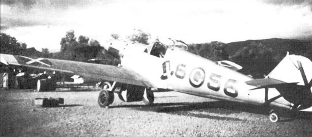 Новая маркировка самолета после смены командира группы, теперь в круге буква G, первая буква фамилии Грабманн.
