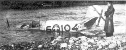 Испанский истребитель Bf.109E из группы 5-6-5, упавший в реку Эбро. Послевоенный снимок.