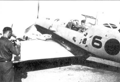 Bf.109Е-1 из третьей эскадрильи на стоянке.