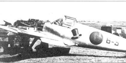 Один из первых прибывших в Испанию истребителей Bf.109V на обслуживании.