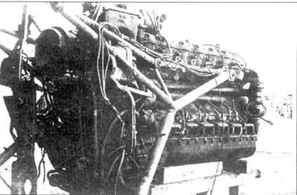 Двигатель Jumo 210 с моторамой.