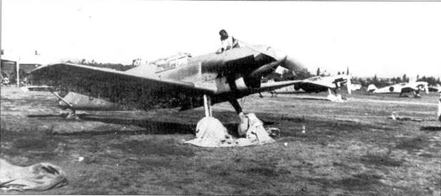 Подготовки Bf.109B-1 из 2.J/88 к боевому вылету.