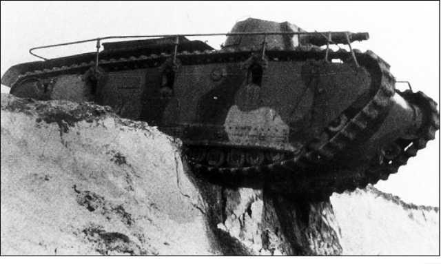Rheinmetall-Grosstraktor во время испытаний (вверху и внизу).