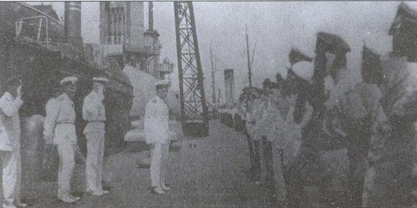Командующий Русской эскадрой вице-адмирал М.А. Кедров перед экипажем линкора «Генерал Алексеев» 13 июля 1921г.