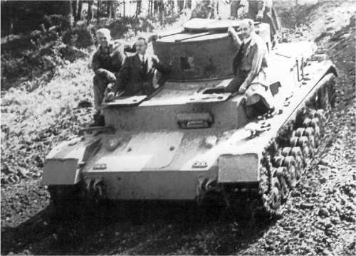 Крупповский прототип VK 2001 (К) во время испытаний на Куммерсдорфском полигоне в 1935 году.