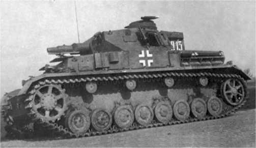 Pz.IV Ausf.F1 с венгерскими опознавательными знаками.