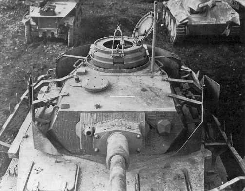 Башня танка Pz.IV Ausf.J. На передней части командирской башенки установлен кронштейн для крепления зенитного пулемета.