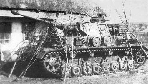 Танк Pz.IV Ausf.F2. 23-я <a href='https://arsenal-info.ru/b/book/1627328415/38' target='_self'>танковая дивизия</a>, Восточный фронт, <a href='https://arsenal-info.ru/b/book/2058889180/3' target='_self'>май 1942 года</a>.