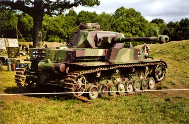 Pz.IV Ausf.H во время проведения шоу «Война и мир 2001» (War&Peace Show 2001) в г. Белтринг, Великобритания.