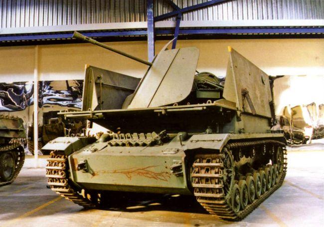 Зенитная самоходная установка Mobelwagen в экспозиции танкового музея в Самюре, Франция.