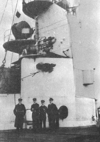"""Линейный крейсер """"Зейдлиц''. Повреждения надстройки, полученные в бою у Хартлепула 14 декабря 1914 г."""