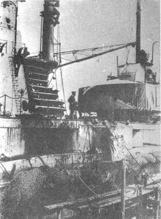"""Линейный крейсер """"Зейдлиц"""". Боевые повреждения левого борта полученные в Ютландском бою"""