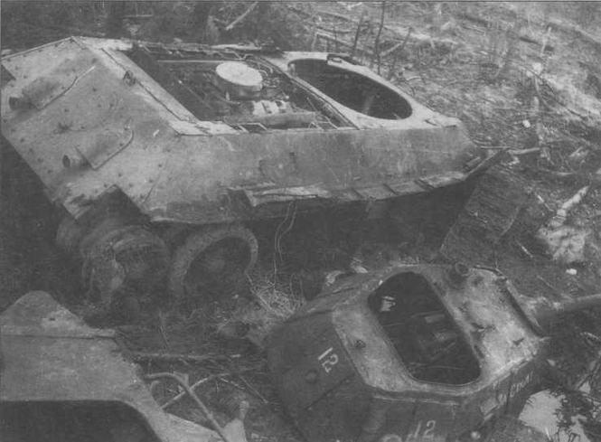 Башня этого танка сорвана внутренним взрывом. Боекомплект 76-мм выстрелов, к сожалению, детонировал довольно часто. Весна 1942 года