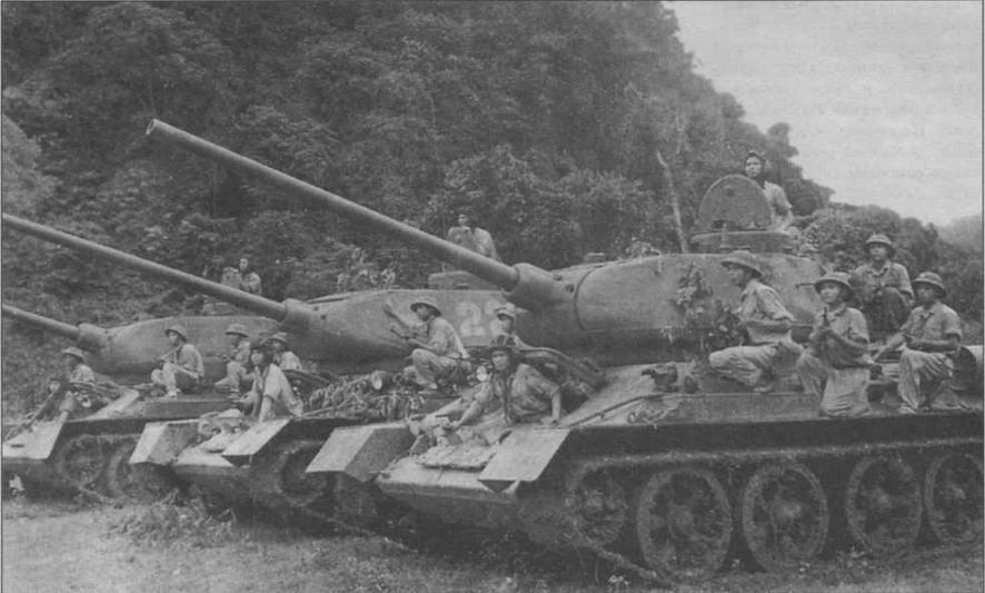 Вьетнамские Т-34-85 во время боевых действий в Лаосе в конце 1971 года