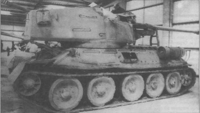 Египетский Т-34-100, вооруженный 100-мм пушкой БС-3, в одном из английских музеев