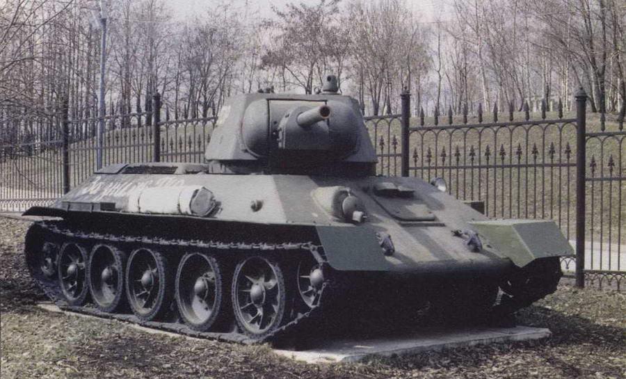 Танк Т-34 выпуска 1942 года с улучшенной башней