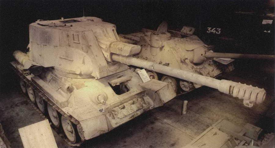 Самоходная установка Т-34-122 (египетская) в английском музее Budge Collection Фото С. Залоги