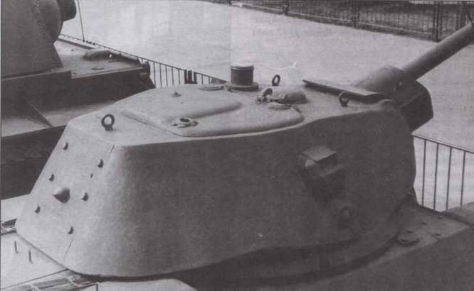 Литая башня Т-34 выпуска 1942 года. Кормовой люк для демонтажа пушки крепился на 6-ти болтах