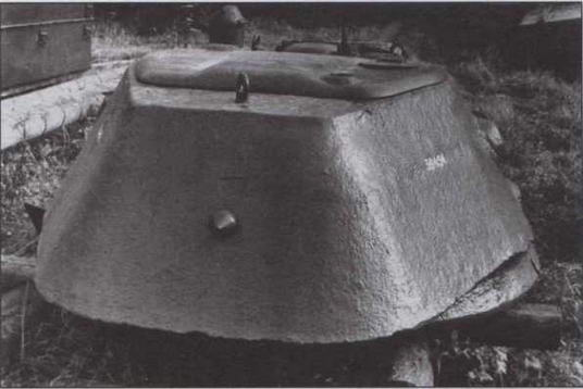 Литая башня производства завода № 112 без кормовой дверцы для демонтажа пушки