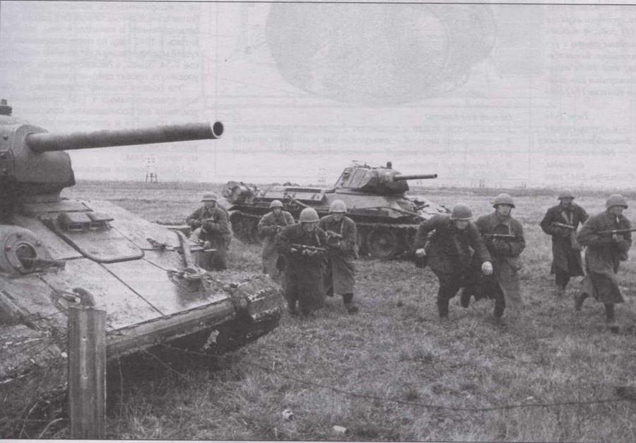 Танки Т-34 с дополнительной броней корпуса и башни. Выпуск 1942 года