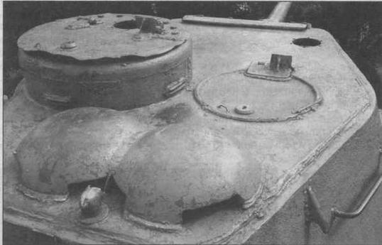 Расположение вентиляторов на крыше башни танка Т-34-85 выпуска военных лет