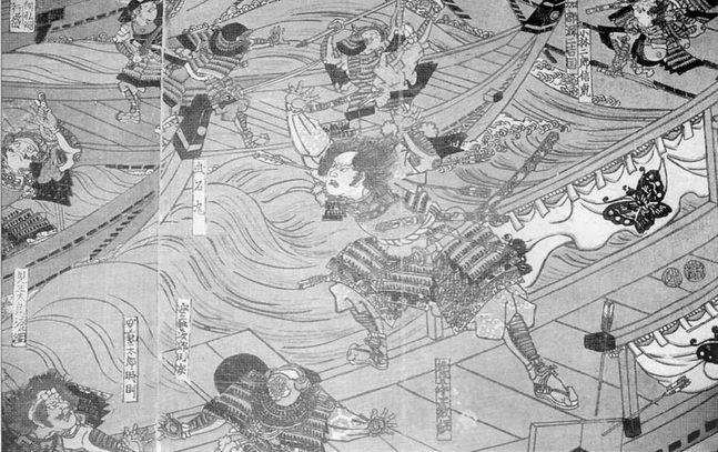 Типичные японские боевые корабли в сражении при Ясима, 1/84. Виден гигант Таира Ното-но ками Норицуне, сбрасывающий самурая Минамото в воду.