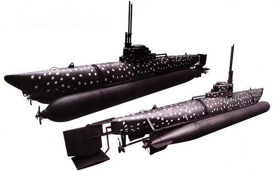 Германская сверхмалая субмарина Biber в камуфляжной окраске.