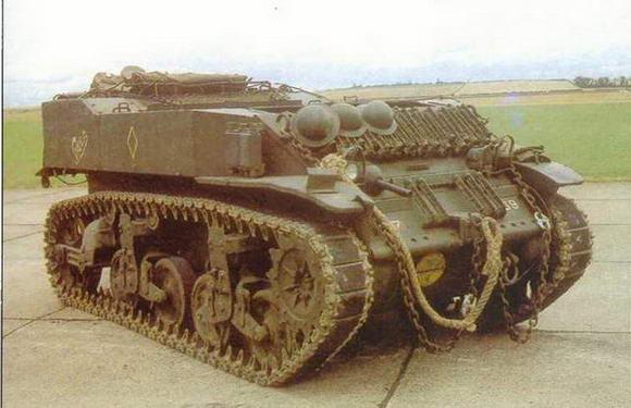 Артиллерийский тягач на базе легкого танка М5А1 Stuart VI.