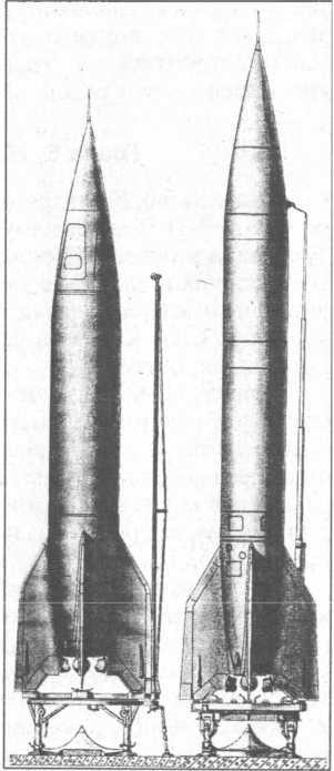 Ракеты Р-1 и Р-2 на пусковом столе.