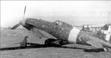 Над Мальтой вместе с пилотами 54 Stormo дрались летчики из 4 Stormo; первый боевой вылет на истребителях С. 202 пилоты 4 Stormo совершили в конце сентября 1941г. На снимке — самолет соттотененте Якопо Фригерио (пять побед) из 97-й эскадрильи 9-й группы.