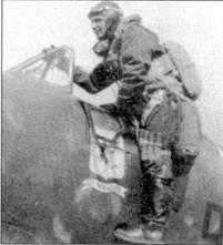 Сержанте мажжиоре Бладелли готов занять место в кабине своего С. 200, Катанья, 22 июня 1941г. В этот день Бладелли сопровождал бомбардировщики в налете на XIальту.