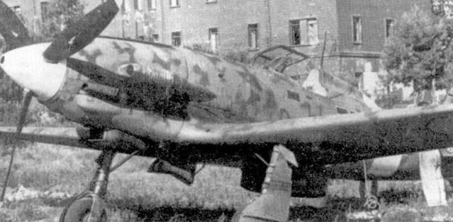 Оснащенная истребителями С.202 359-я эскадрилья 22-й отдельной группы действуя с аэродрома Каподичино отражала налеты бомбардировщиков союзников на Италию. Итальянцы смогли добиться заметных успехов (тененто Маццителли сбил восемь самолетов, сержентемажжиори Эцио Делл'Акуа — четыре. Капитане Монако — три), но отразить налеты вражеской армады не сумели и не могли.