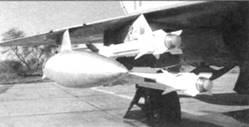 Подвеска Р-60М на спаренной пусковой АПУ-60-ll самолета МиГ-21 бис индийских ВВС
