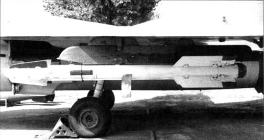 Р-73 на пусковом устройстве АПУ-73-1Д истребителя МиГ-29