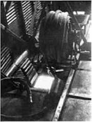 Топливозаправочный агрегат на самолете ТБ-3.